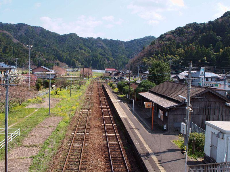 九州のディープなローカル線!JR唐津線で途中下車したい駅4選