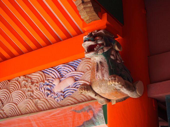 回廊を歩いて、伊佐爾波神社を散策
