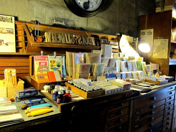 ストーリーのあるディスプレイ。洗練された文房具。