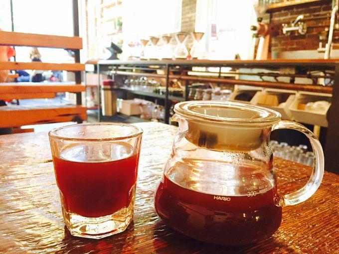 日々美味しいコーヒーを探求中!リボルバーで食後のコーヒーを