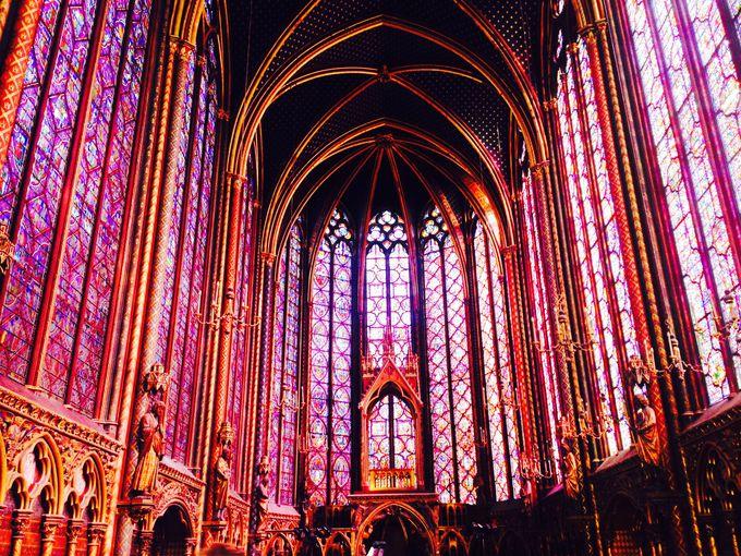 パリで最も美しい⁉光り輝くステンドグラス