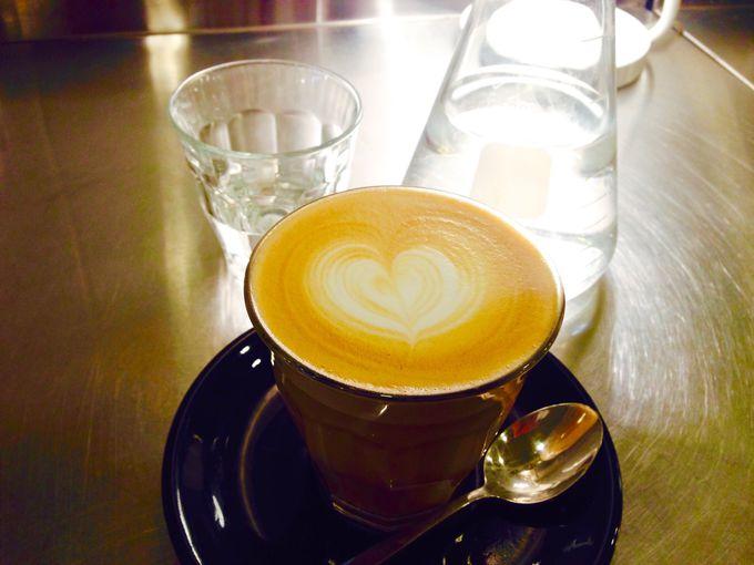 話題のサードウェーブコーヒー店、クチューム・カフェ