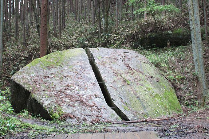 神秘的な一刀石と静寂な剣豪の里、奈良「柳生」で剣の極意にふれる