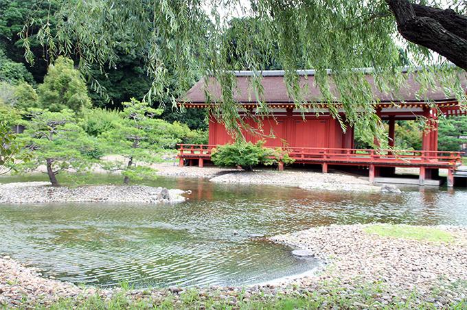 奈良時代の古代庭園をそのまま体感!