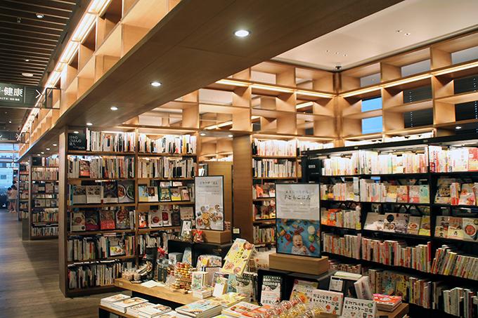 コンシェルジュがナビゲート!「奈良 蔦屋書店」で好奇心の扉を開く