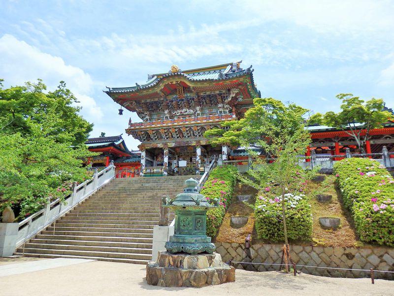 色鮮やかな堂塔と大理石の庭園!広島県生口島・耕三寺をめぐる
