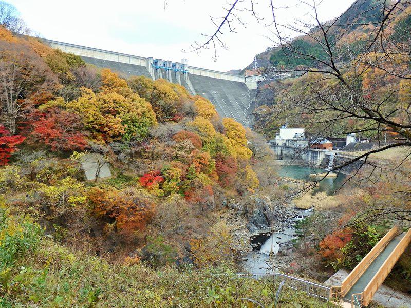 ダム底に沈んだ駅を目指せ!群馬県・渡良瀬渓谷鐡道の廃線跡を歩く