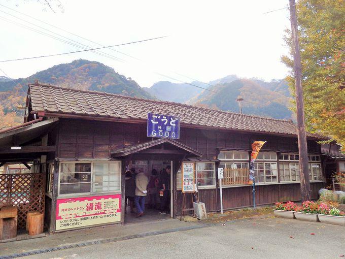 1912年開業。登録有形文化財の「神戸駅」