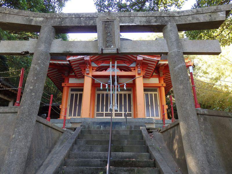 900年前に落人が分霊した稲荷神社