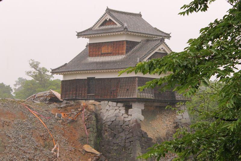 角石だけで支えられている「戌亥櫓」