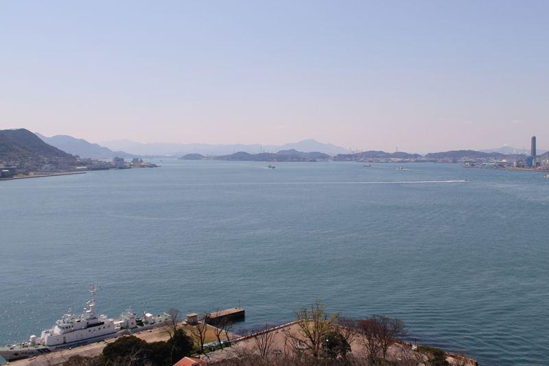 「めかりPA・展望台」青い海と空をバックにパチリ!