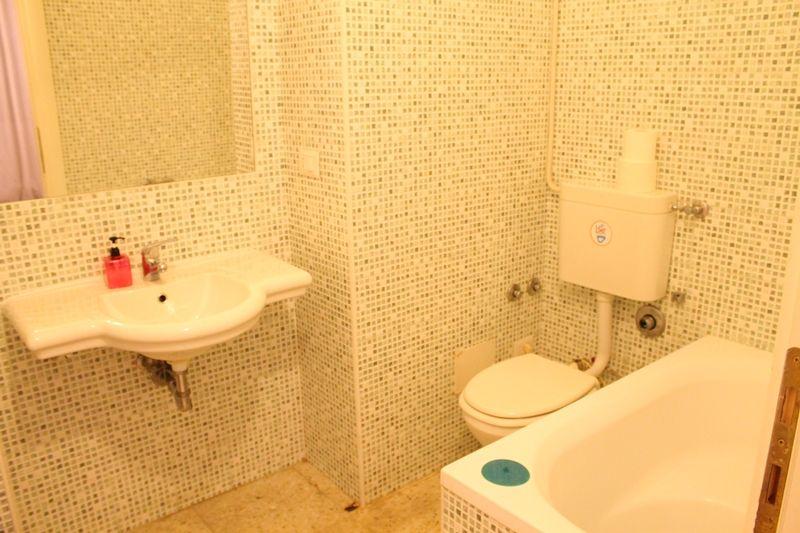 専用バスルームは、モザイクタイルが超キュート