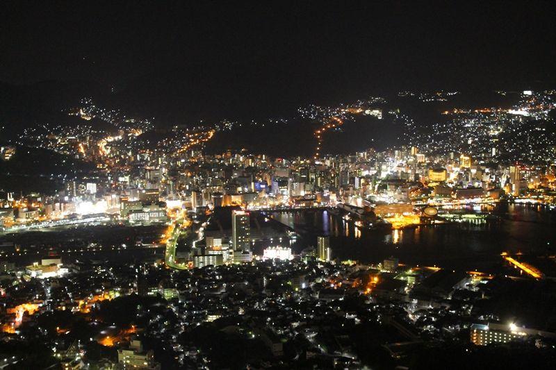 キラキラ夜景を無料で楽しめる!長崎市「稲佐山山頂展望台」で素敵な夜を