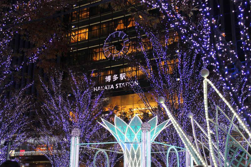 福岡のイルミネーションはJR博多駅前「光の街・博多」が超キレイ