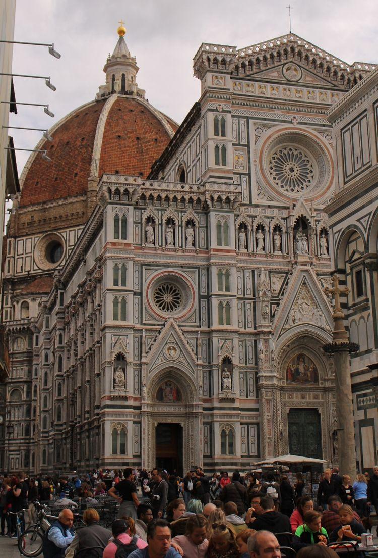 花の都フィレンツェのシンボル「ドゥオーモ(大聖堂)」