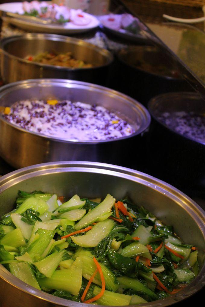 朝食ブッフェは、お粥や野菜たっぷり!ヘルシー中華