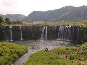 スカっと爽快!大分県「原尻の滝」巨大滝の上をウォーキング!