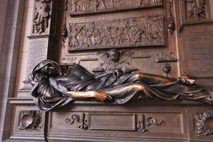 3.セルクラースの像