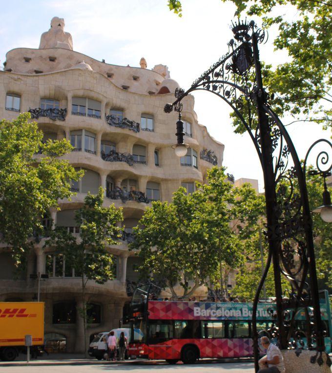 世界遺産カサ・ミラや、スペインブランドショップも徒歩圏内