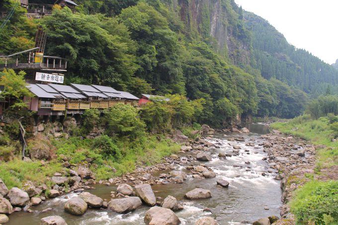 杖立川の絶景を見ながらお風呂に入ろう