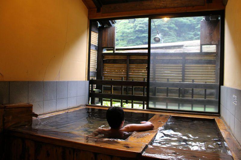 熊本県杖立温泉「観音岩温泉」眺めがいい家族風呂の日帰り温泉!