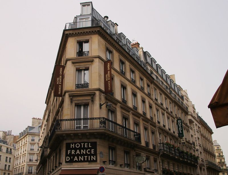 パリのプチホテル「オテル フランス ダンタン オペラ」日本語OK!