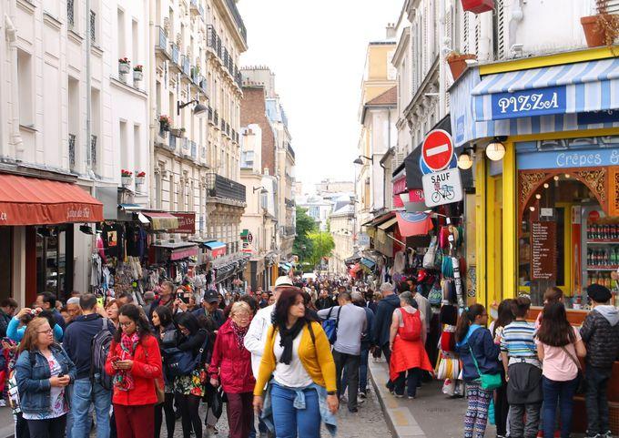 10:00 モンマルトル観光はメトロのアンベール駅からスタート!