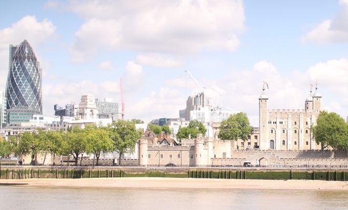 【11:30】ロンドンの新旧モニュメントを見ながらお散歩