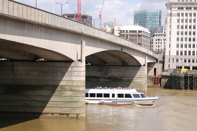 【13:00】ロンドン橋は見落とし注意!