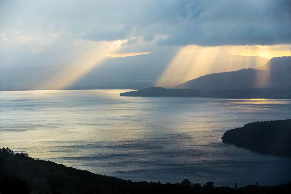 神々しさ漂う、早朝の風景