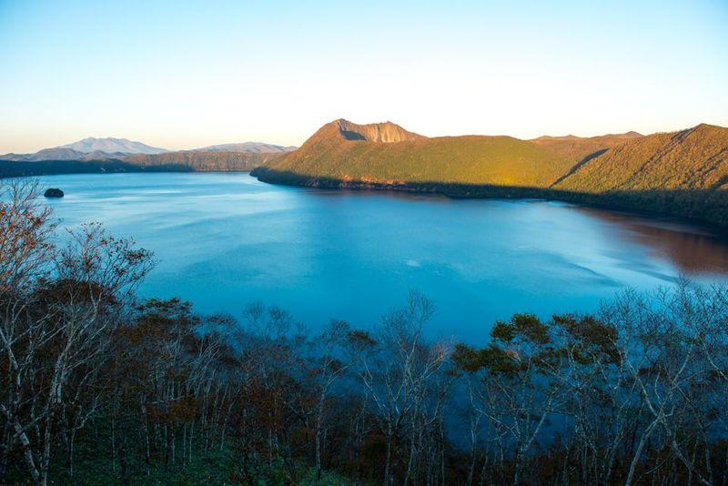 カルデラが生んだ摩周ブルーの北の絶景!摩周湖は神秘の湖