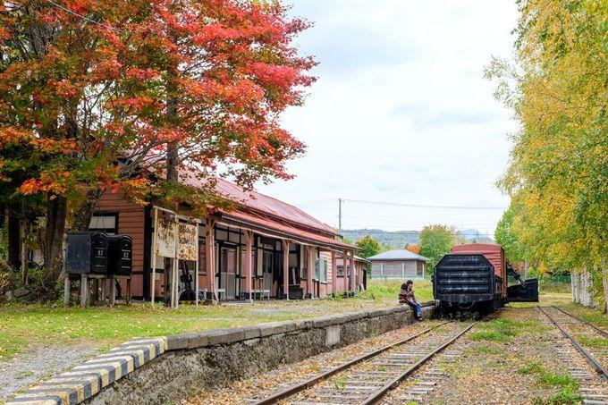 郷愁を誘う駅のホーム