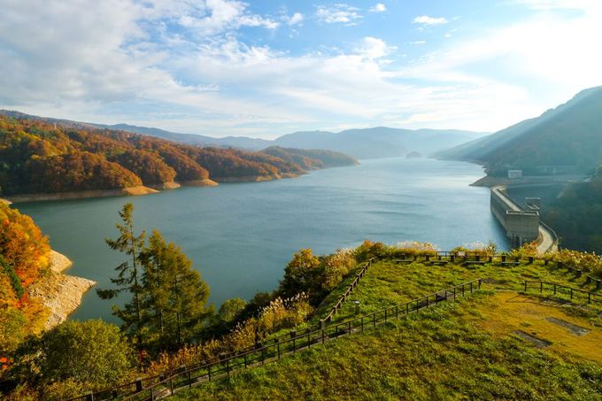 秘境・有峰の有峰林道とダム湖