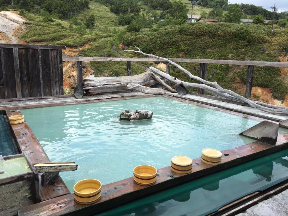 天空の露天風呂!湯けむりにつつまれた群馬・万座温泉「日進館」の魅力