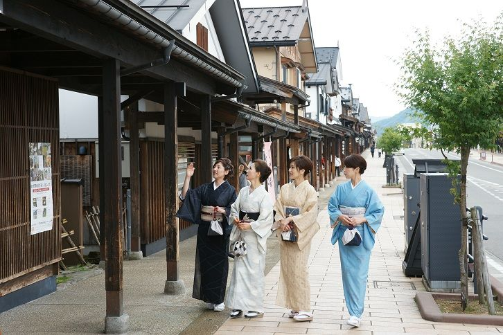 伝統を紡ぐ!新潟県「塩沢」で美しい織物に触れてみよう