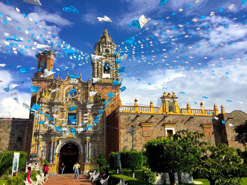 """世界最大のピラミッドがメキシコに!?""""魔法の村""""チョルーラ"""