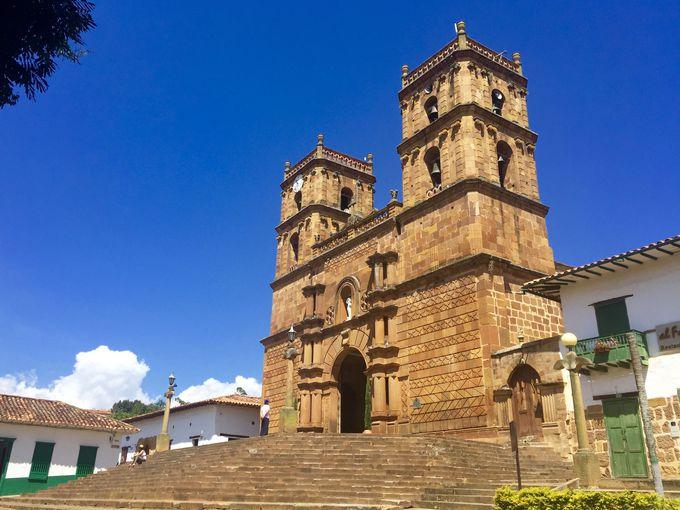 街のシンボル「バリチャラ大聖堂」