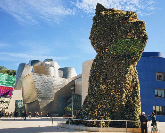 見逃せないビルバオのシンボル「グッゲンハイム美術館」