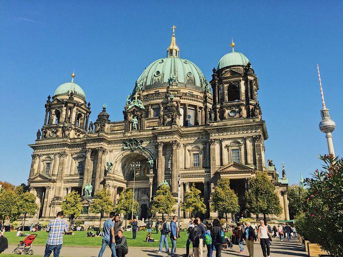 15時:ベルリンのシンボル「ブランデンブルグ門」への道