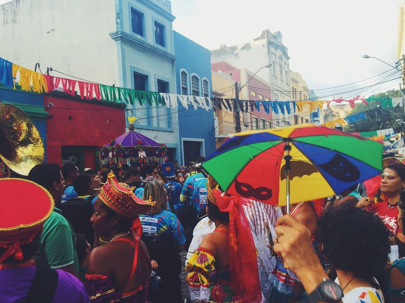 大盛況!ブラジル世界遺産の街オリンダのカーニバルに行こう!