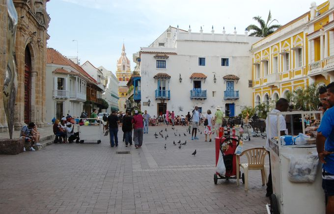 城壁に囲まれたカルタヘナの旧市街地