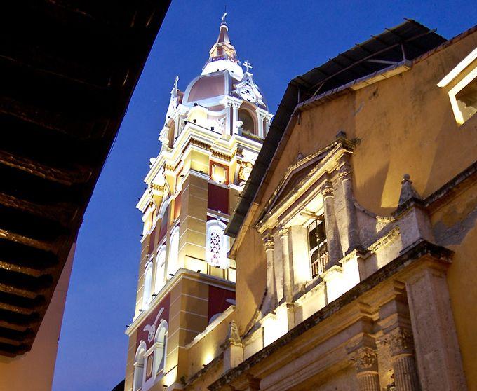 旧市街は夕暮れのマジックアワーに