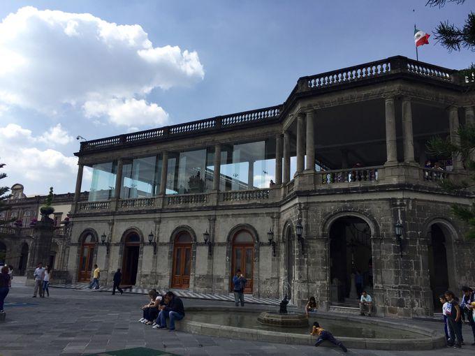 メキシコの歴史を知る「チャプルテペック城」