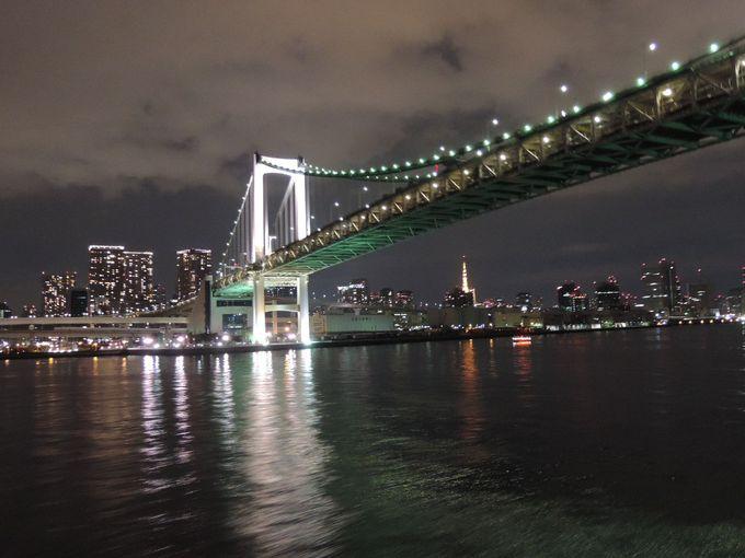 ベイブリッジとレインボーブリッジをくぐるのは、日本では「週末の東横航路」だけ!