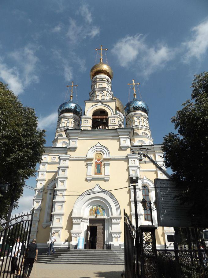 ここはやっぱりロシア!正教会の大聖堂がそびえ立つ