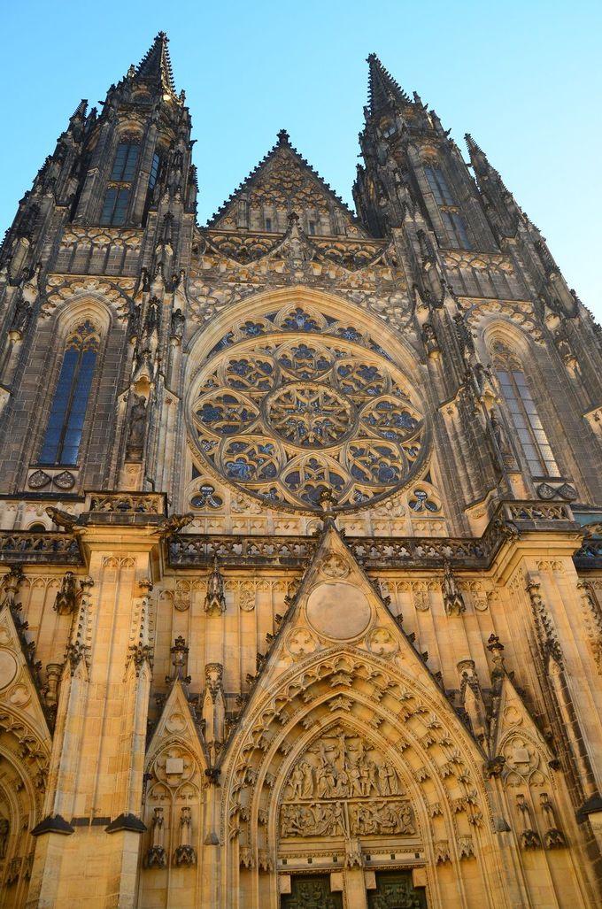 大迫力のゴシック建築「聖ヴィート大聖堂」
