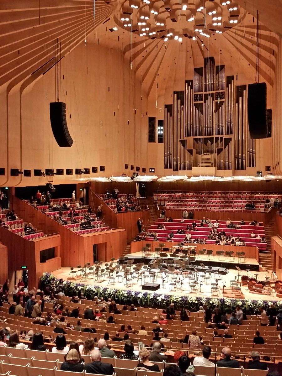 壮大な空間に圧倒!世界遺産の大ホール