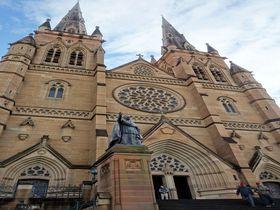 迫力満点!シドニーの巨大なゴシック教会「セント・メアリー大聖堂」