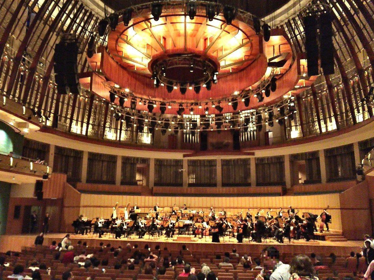 壮大なホールで聴く本格派オーケストラ!