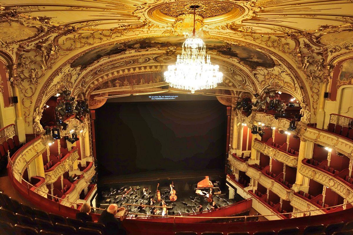 オーストリアの世界遺産「グラーツオペラ」優美な講堂にうっとり!